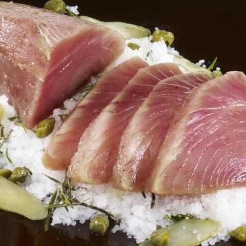 Tataki de atún a la sal